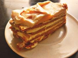 Mango ref Cake. Easy to make, yummy to eat!