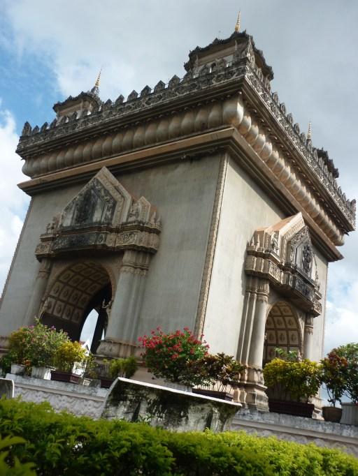 Patuxai Gate