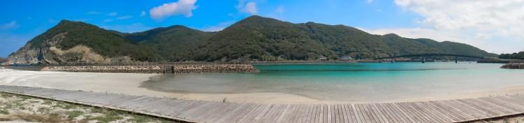 小浦海水浴場の全景