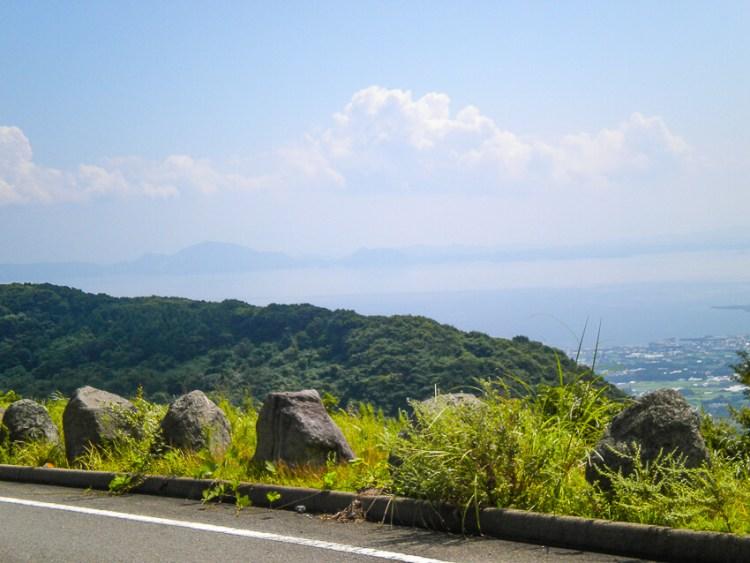 平成新山ネイチャーセンターの近くから熊本方面の山々