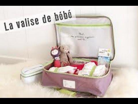 La valise de bébé pour la maternité