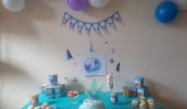 Sweet Table Reine des Neiges pour son 4 ème annivesaire
