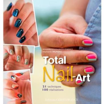 Stéphanie Bruneau - Totail Nail Art