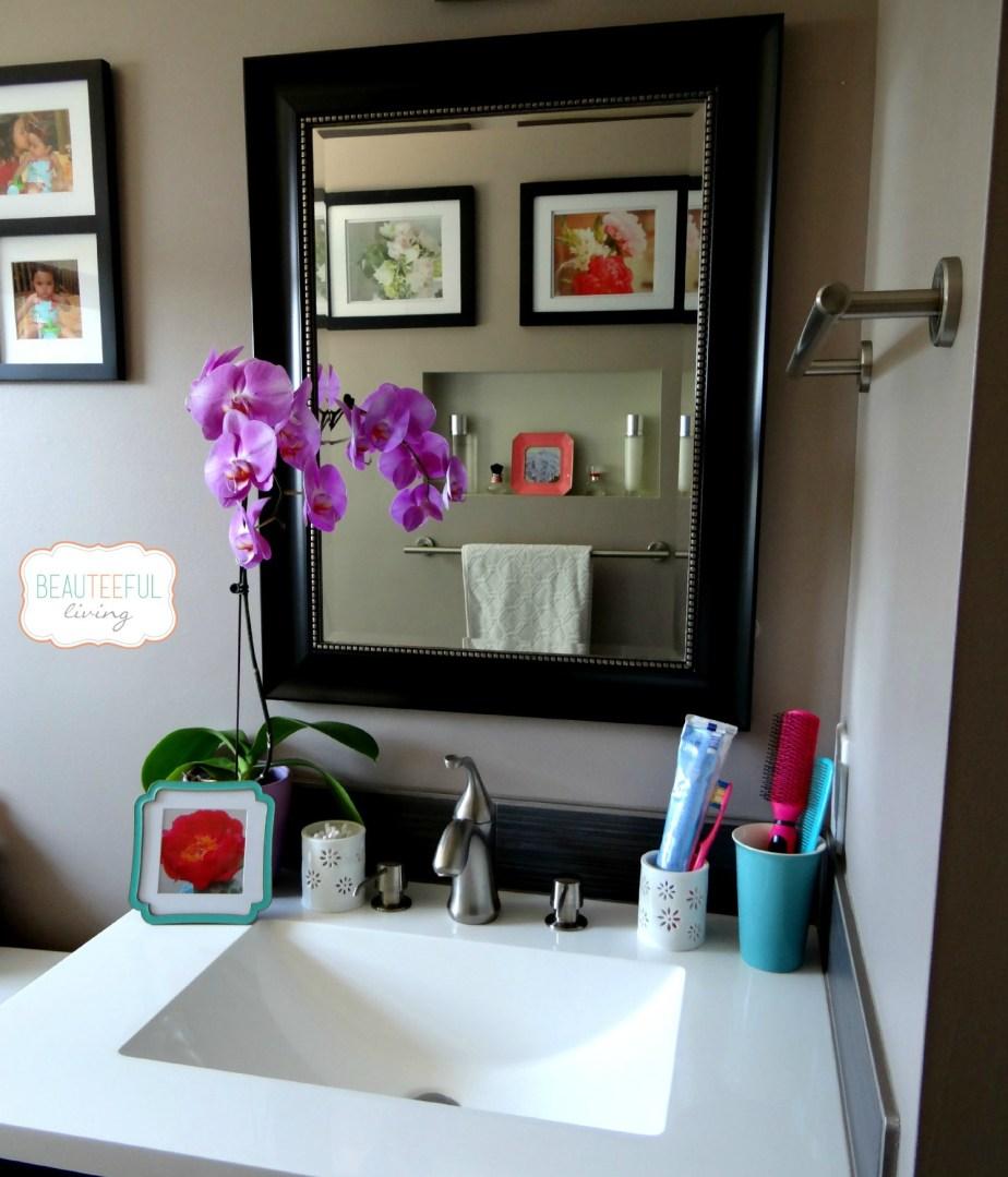 BathroomVanityView
