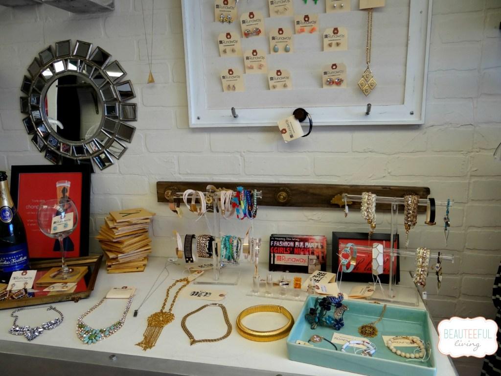 Shoptherunaway_accessories