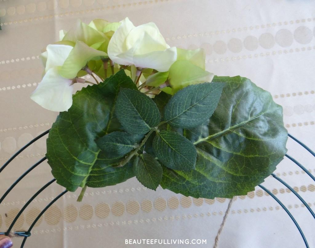 Decorating wreath
