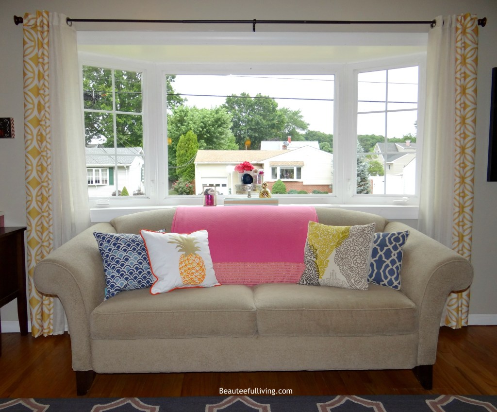 Livingroom summer decor - Beauteeful Living