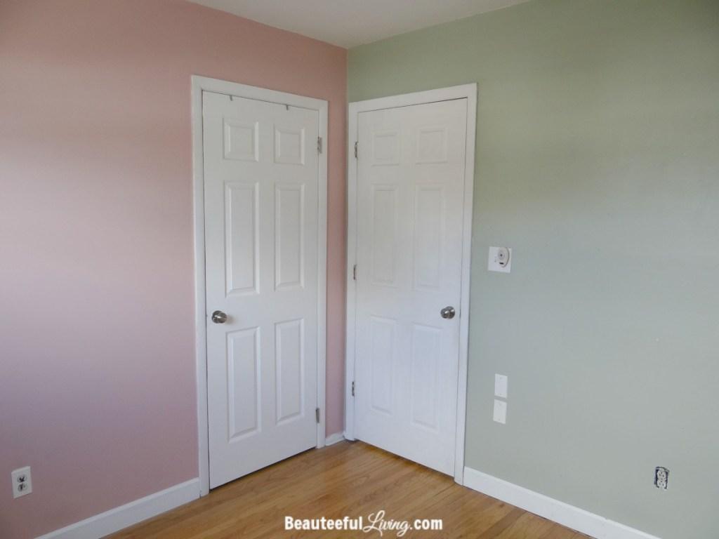 Small bedroom - doors
