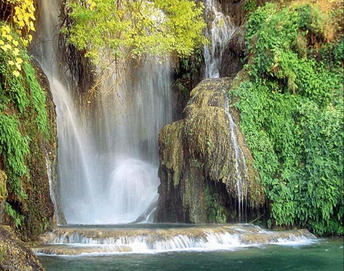 https://i1.wp.com/beautiful-island.50webs.com/beautiful-island/beautiful-waterfalls.jpg