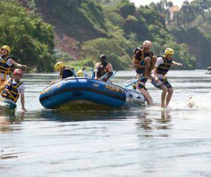 300x252 - ウガンダでアフリカ最大のラフティングを体験?〜DMM英会話編〜
