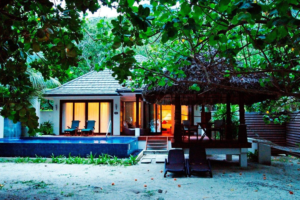 hilton seychelles labriz resort spa paradiesischer inselurlaub auf silhouette island. Black Bedroom Furniture Sets. Home Design Ideas