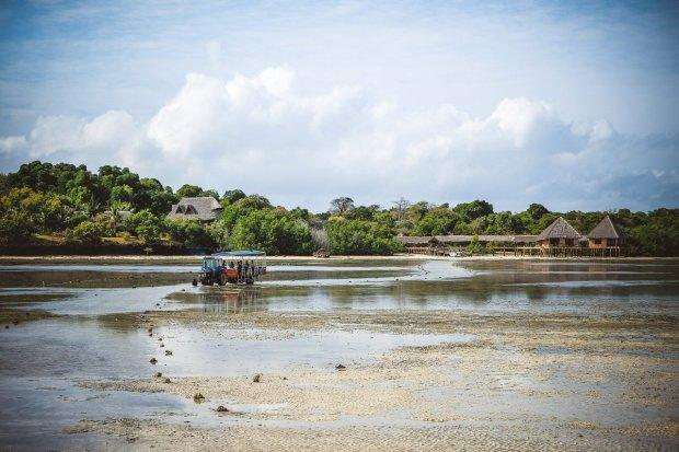 moniquedecaro-kenya-chale-island-013