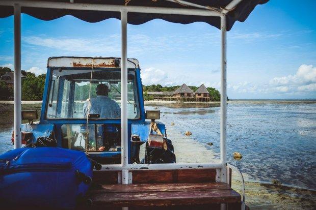moniquedecaro-kenya-chale-island-017