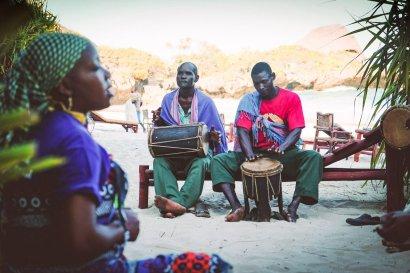 moniquedecaro-kenya-chale-island-032