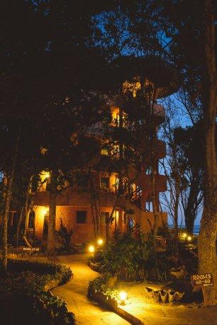 moniquedecaro-kenya-chale-island-059