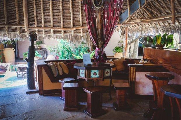 moniquedecaro-kenya-chale-island-083