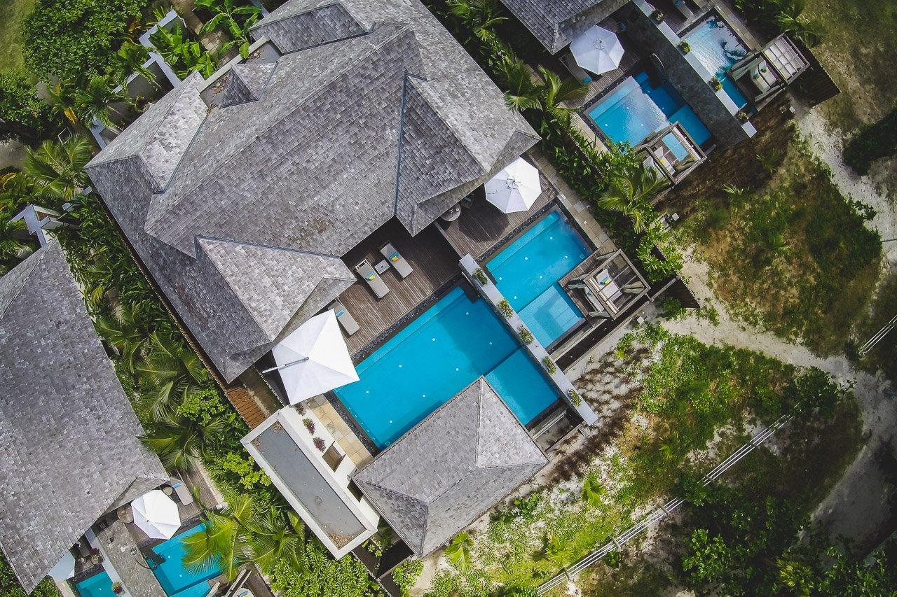 Zimmer: 100 Suiten Und Villen (46 Junior Suites, 38 Garden Junior Suites,  14 Beach Pool Villas, 2 Grand Beach Pool Villas) Temp. Luft: 24 U2013 30 Grad