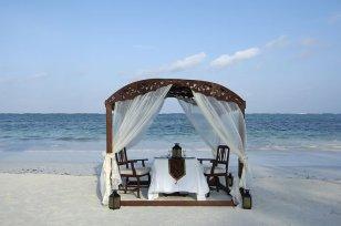 gallery-the-palms-zanzibar-beach-dinner