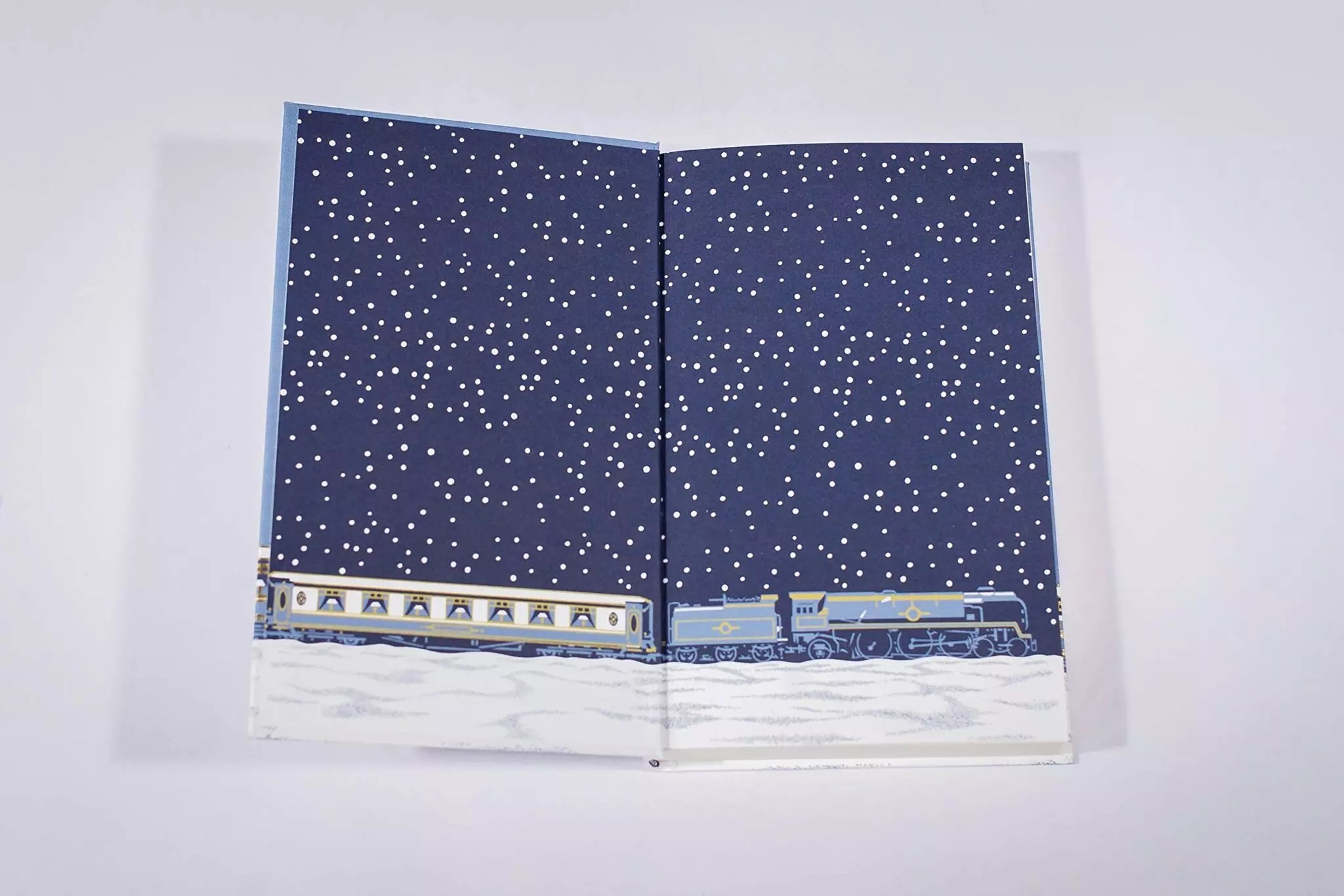 agatha christie se murder on the orient express endpapers lg