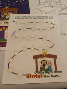 Follow the Star to Christmas Eve image which instructs each day color in a star that will guide your way - start December 1st. #beautifulcamouflage #liturgicalliving #advent #advent2019