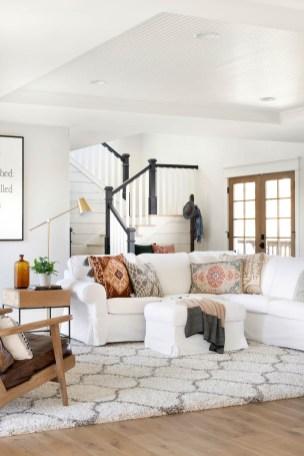 living room decor ideas in modern white farmhouse