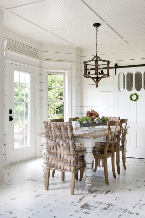white farmhouse dining room decor