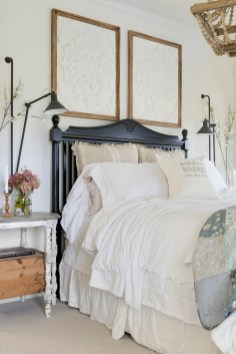 white farmhouse master bedroom decor ideas