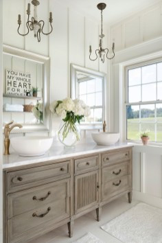 white farmhouse master bathroom decor ideas