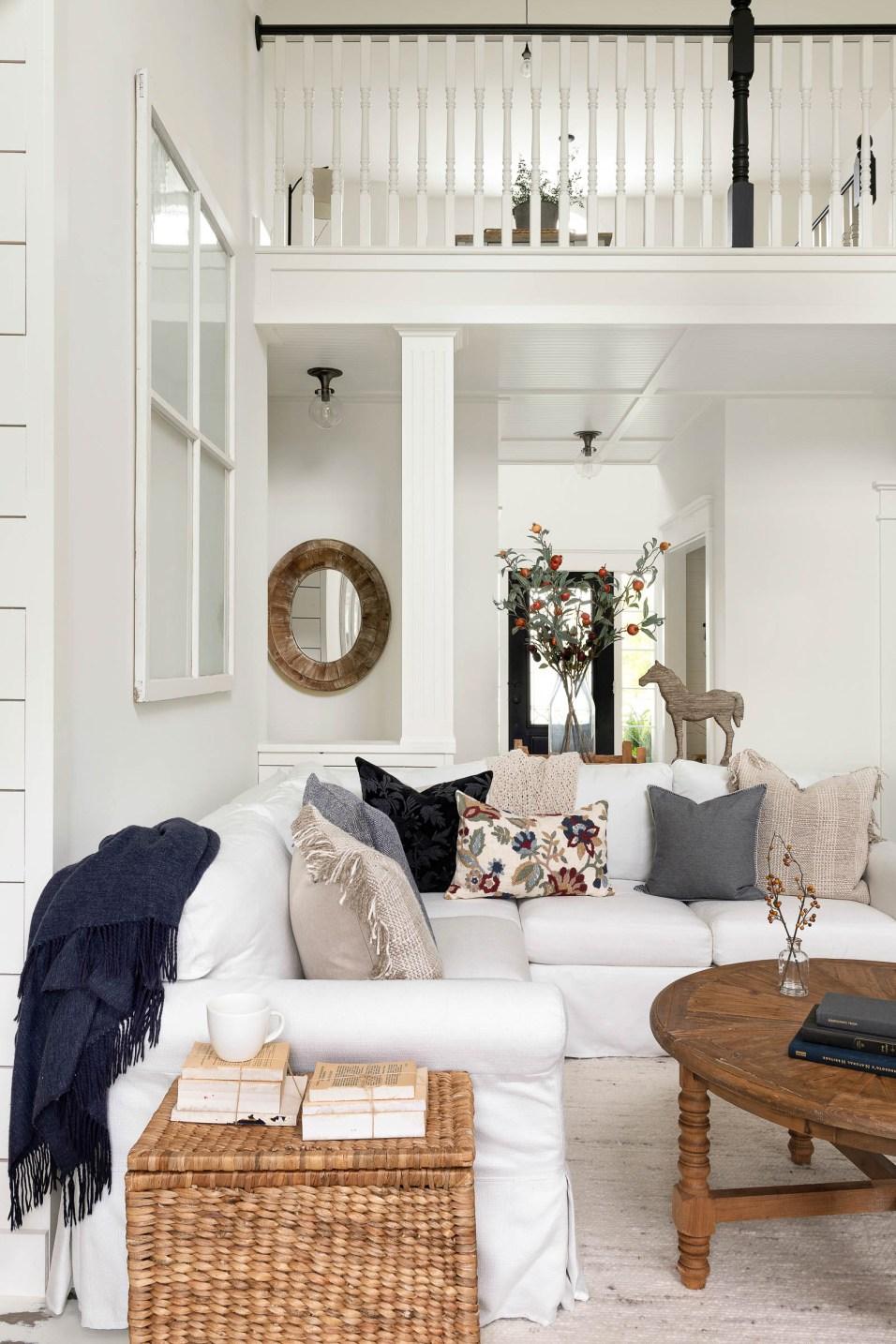 fall white farmhouse decor