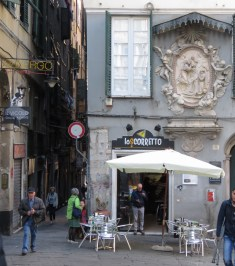 Old Town - Genoa, Italy - by Anika Mikkelson - Miss Maps - www.MissMaps.com