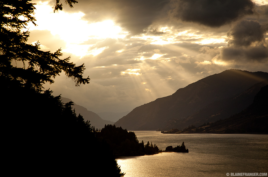 Columbia River Gorge Light Rays at Sunset