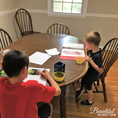 The Family that Learns Together: Beauty in the {Homeschooling} Mess ~ Edition 08.01.19