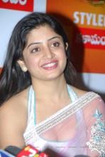 0003-poonam-kaur-high-resolution-nagavalli-collections3