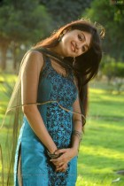 poonam-kaur-nagavalli-high-resolution4