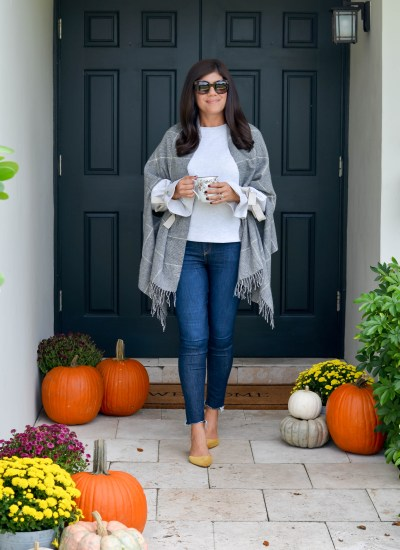5 COZY CAPES FOR FALL + HOW TO KEEP MUMS ALIVE IN FLORIDA