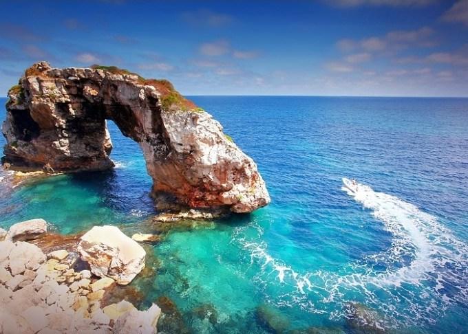 Lucie Debelkova Spain - Mallorca - Turquoise Waters of Rock Es Pontas at Cala Santanyi
