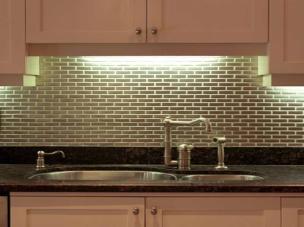 excellent-and-unique-tile-backsplash-exciting-backsplash-tile-with-unique-pattern-with-interesting-glass-mosaic-kitchen-backsplash-pictures-kitchen-images-white-kitchen-mosaic-backsplash