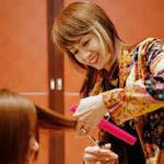 MINXの母『鈴木三枝子』さんの美容師人生とは?プロフィールや経歴まとめ