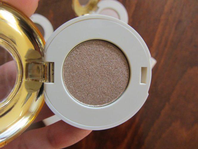 hm beauty chin-chin eyeshadow