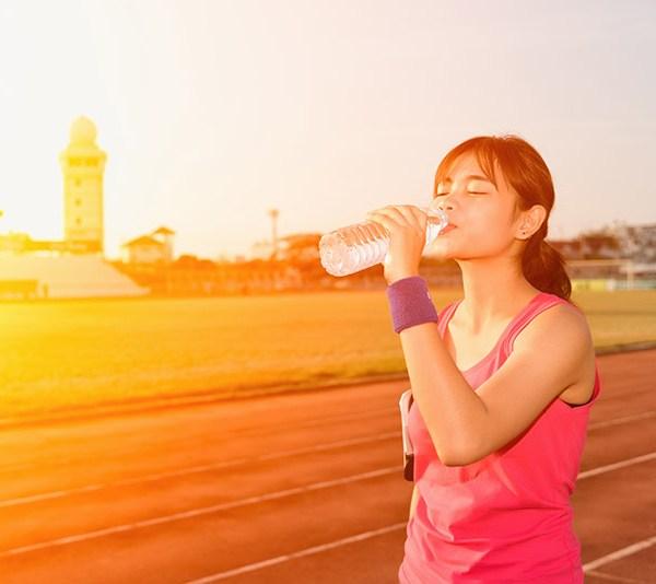 Combate eficient deshidratarea vara aceasta