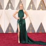 第88回アカデミー賞 助演女優賞にノミネートされたレイチェル・マクアダムスが『NIWAKA』を着用し、授賞式に登場