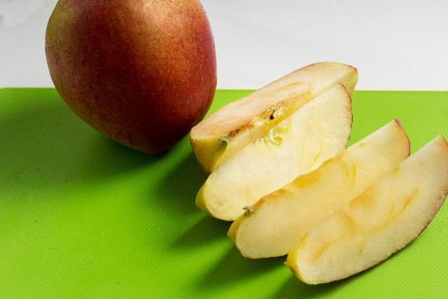 酸化するりんご