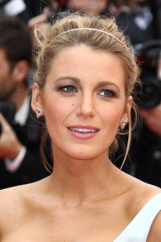 blake-lively-cannes-face