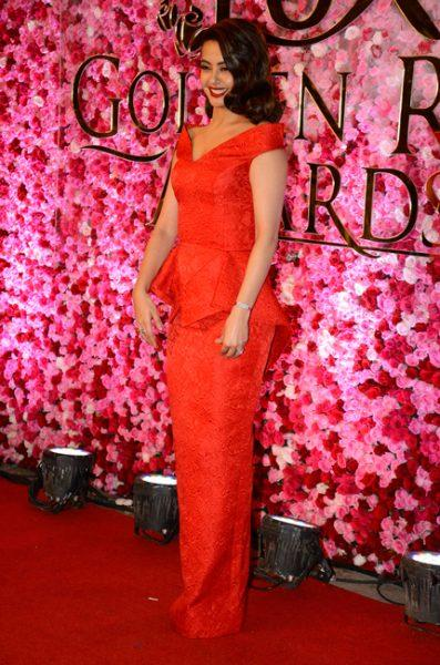 suvreen-chawla-at-lux-golden-rose-awards-2016