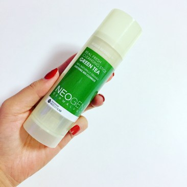 The Neogen Real Fresh Green Tea Cleansing Stick