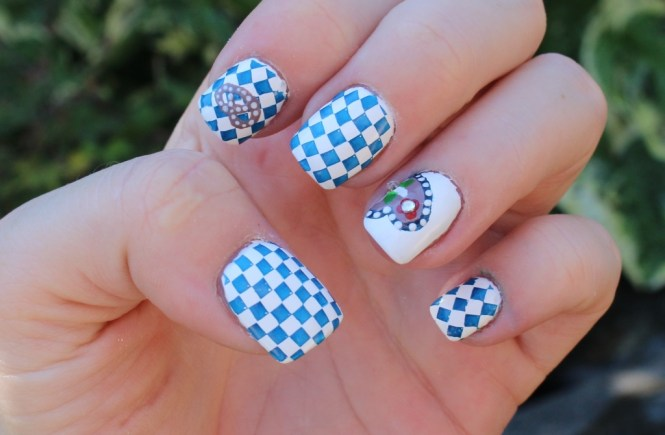 Oktoberfest/Wiesn Nägel [Nageldesign] | Beauty and the beam