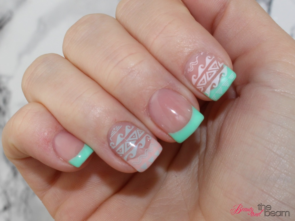 Pastellfarbenes Festival Nageldesign | Beauty and the beam