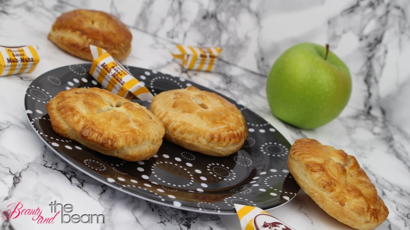 [Rezept] Mini (Caramel) Apple Pies (Blogparade)