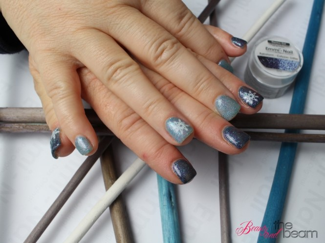 winterliches Nageldesign mit Emmi-Nail