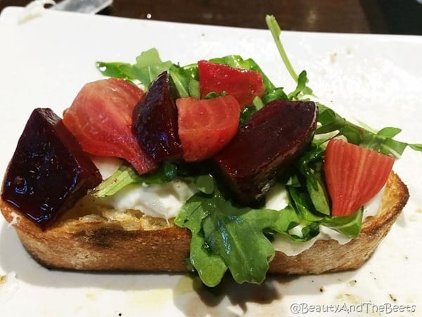 800 Degrees Pizza Las Vegas Burrata and Beets Beauty and the Beets
